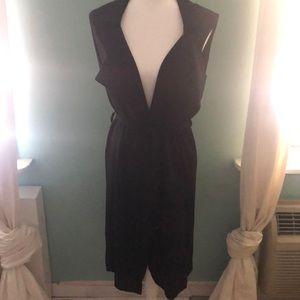 Mid-length Black sleeveless vest